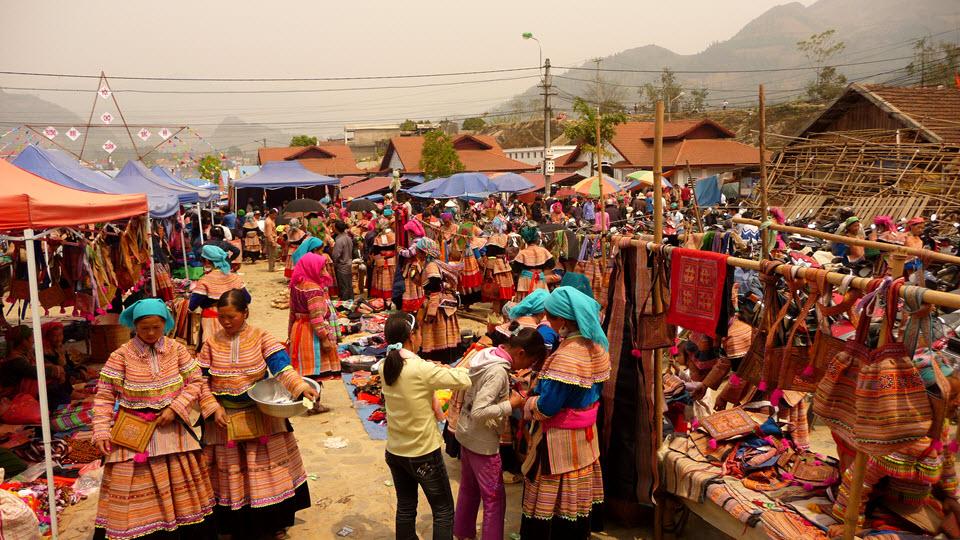 BacHa Sunday market