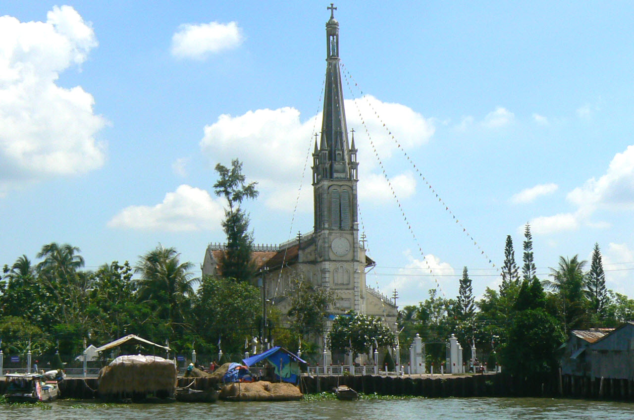 CaiBe catholic church and floating market