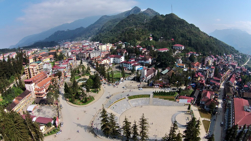 Sapa town center and HamRong mountain
