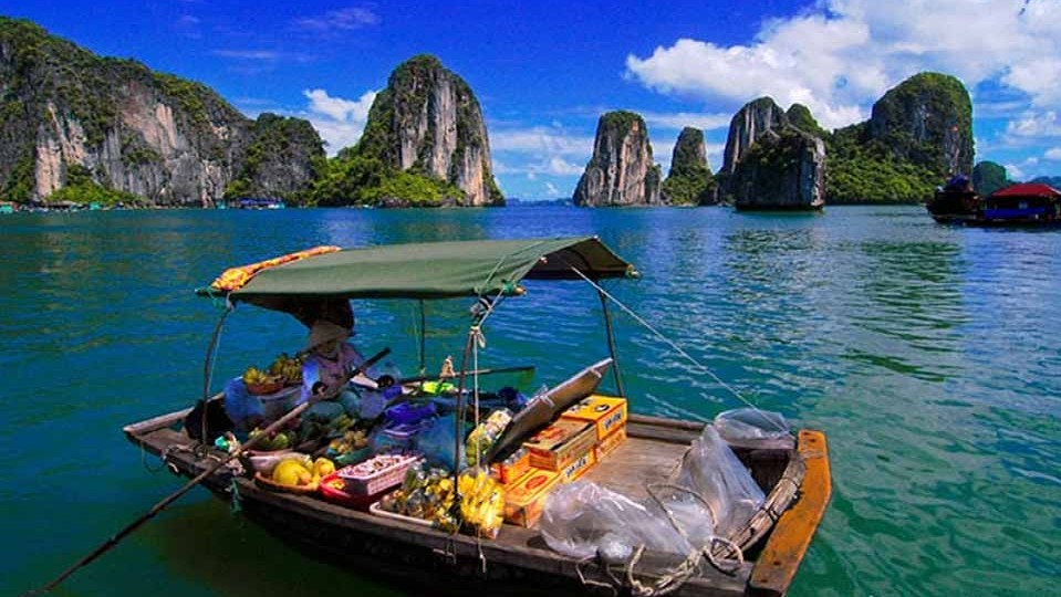 Halong bay cruise with overnight on board