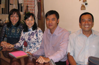 Sinhbalo sales staff