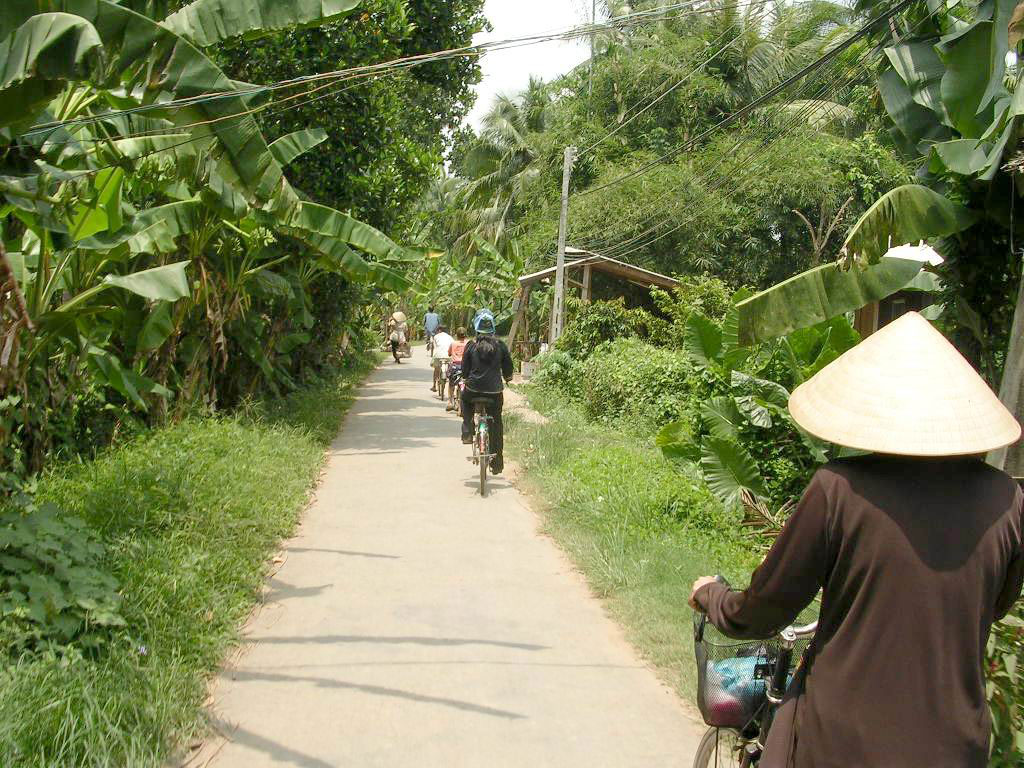 Mekong delta cycling BenTre