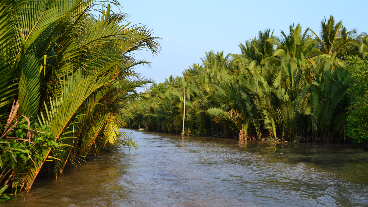 Cycling mekong delta BenTre