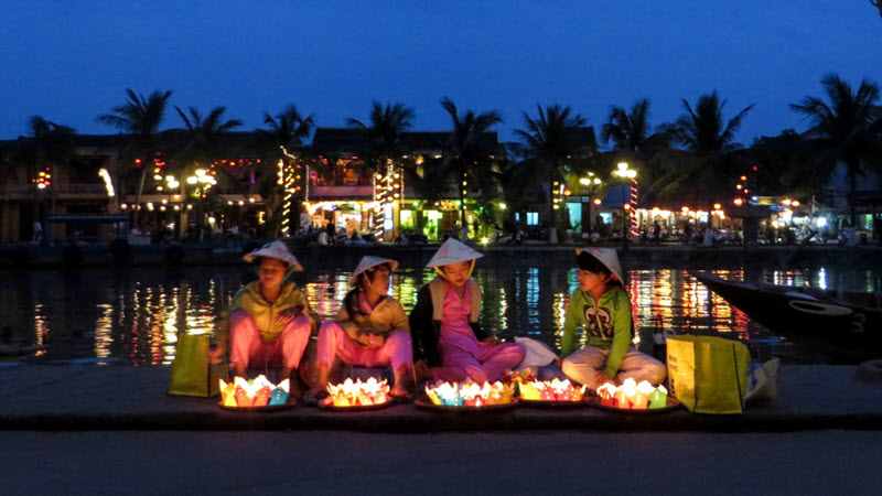 Full moon lantern on hoi an river - Hoi an tour