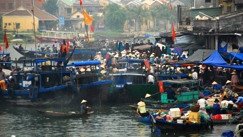 Hoian morning river front market