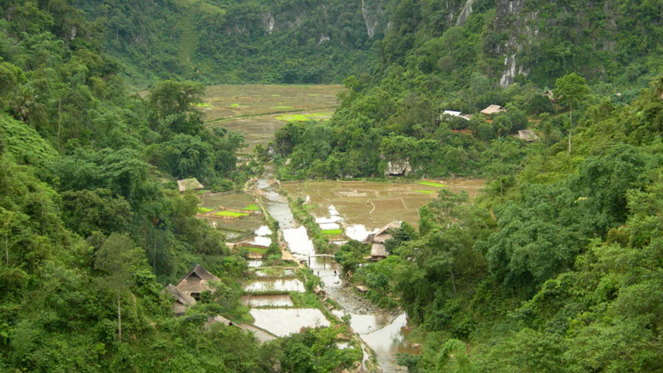 Mai Chau trek to PuLuong - KhoMuong village