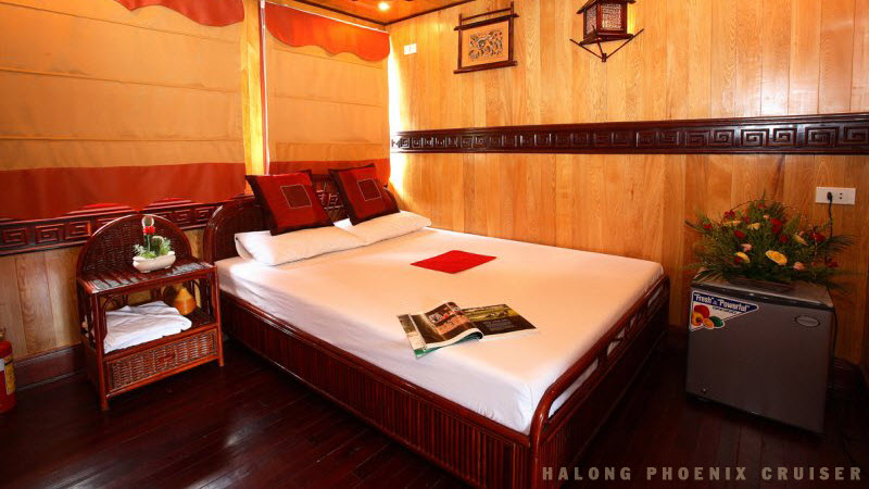 Halong bay tours - Phoenix cruise cabin