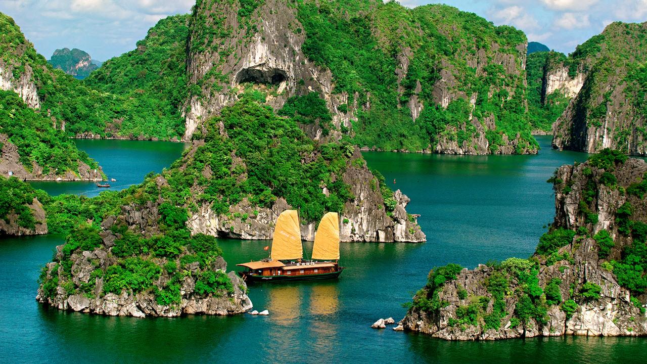 Huong Hai deluxe junk - halong bay cruise