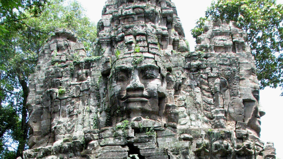 Entrance gate to Angkor Thom temple - Siemreap Cambodia