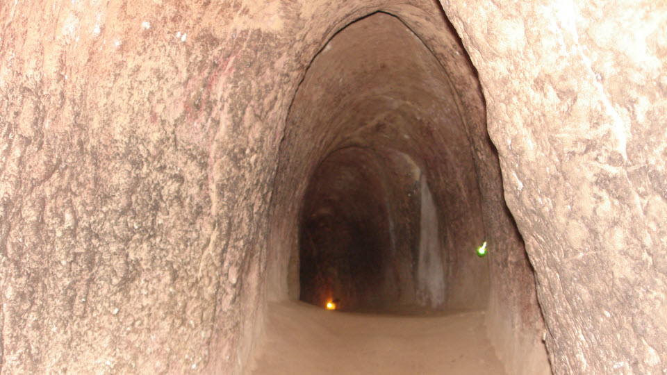 CuChi tunnels tour - going inside the tunnel