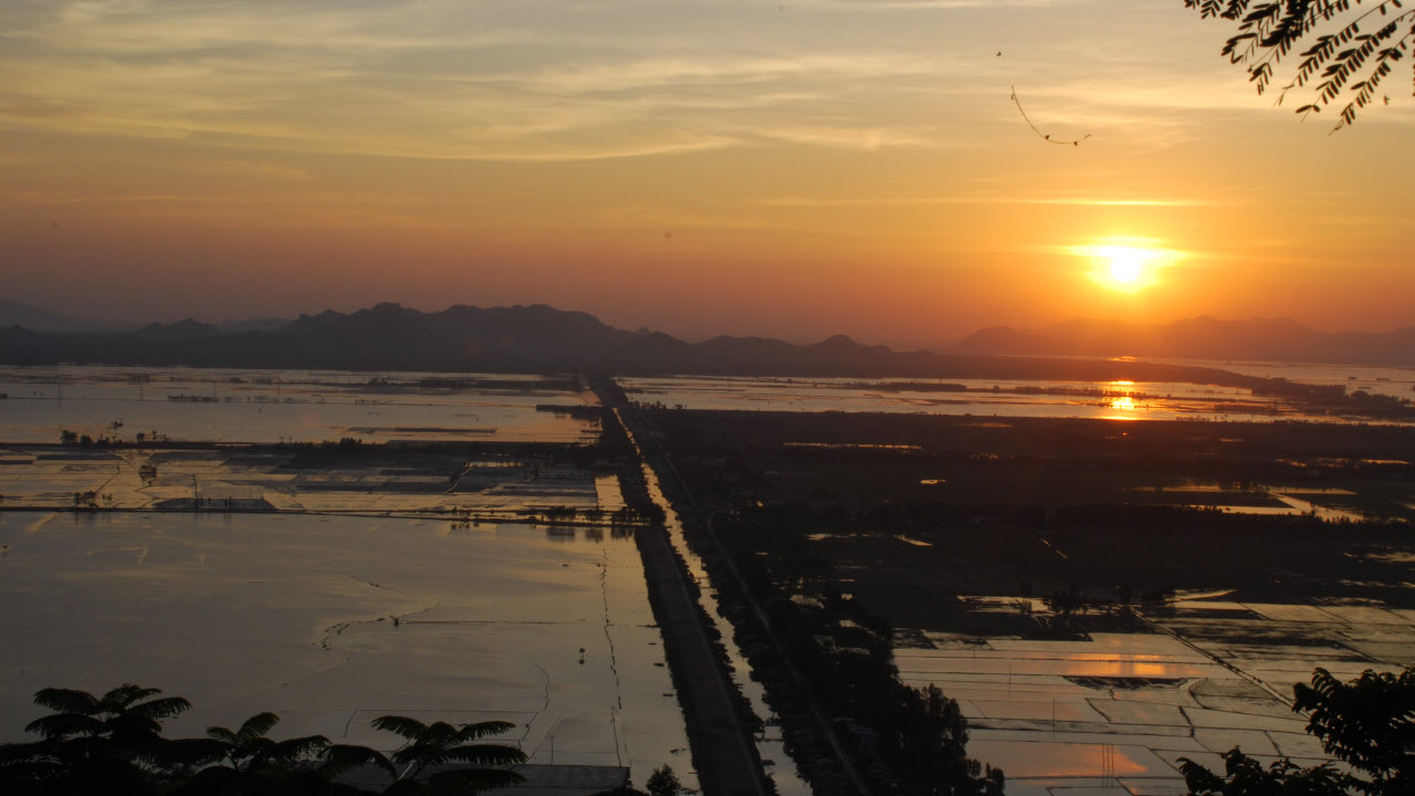 Mekong delta tour 3 days - Sunset view from Sam mountain in Chaudoc