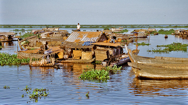 Fisherman floating house on Tonle Sap lake