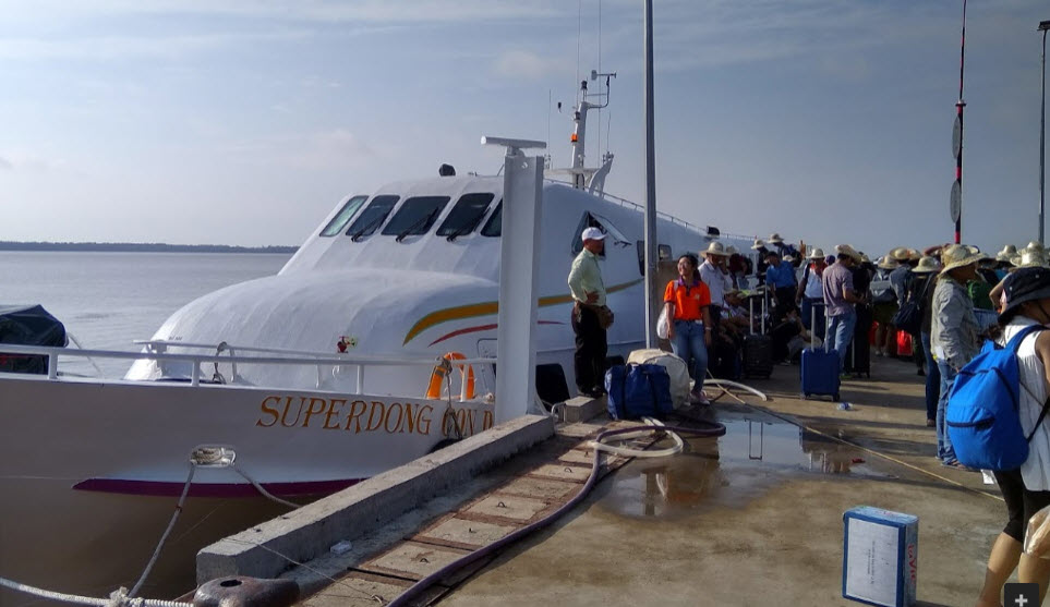 Ferry of Superdong speed boat to Con Dao islands