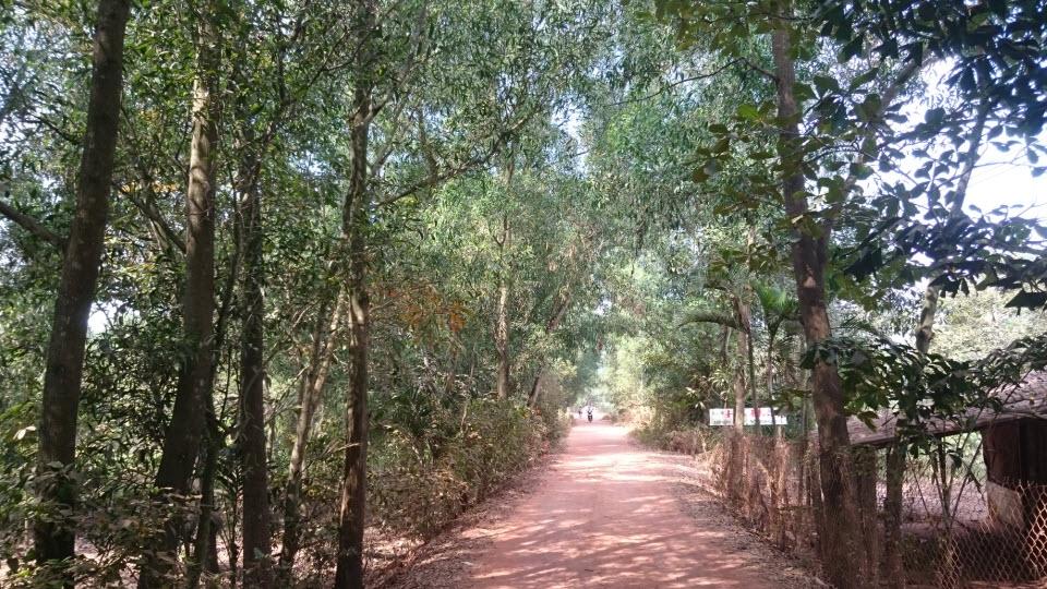 Bike to CuChi tunnels - Saigon river trail
