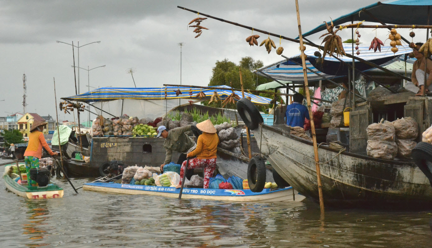 NgaNam floating market - Cycling mekong delta BenTre TraVinh CanTho 3days